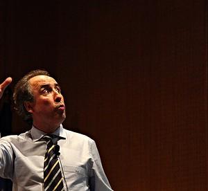 Emilio Duró hizo una brillante presentación centrada en la emoción, la pasión y la felicidad. Imagen en Sukiweb.net