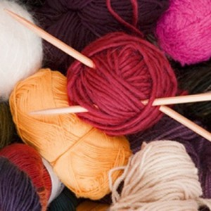 Tejer es una afición tras la que hay valores como la constancia y la paciencia. Imagen en knittingbeginners.com