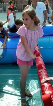 Marta, con su camisa pliegues y los shorts de ondas. Una gran embajadora de nuestra firma.
